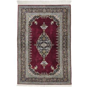 Kashan Silke matta storlek 160x107 cm