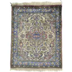 Kashan (Antik Silke) matta storlek 63x50 cm
